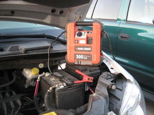 Jumpstart A Dead Car Battery - Simple Car How To