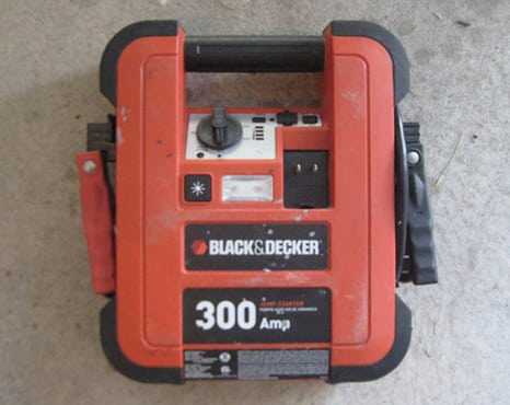 portable jump starter - dead car battery