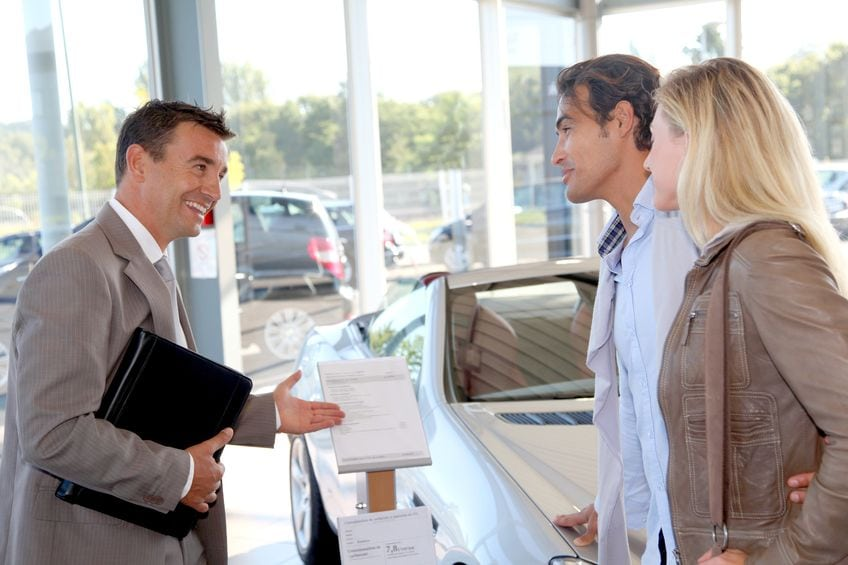 5 Qualities a Dealership Service Advisor Should Have to Save You Time and Money